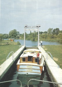 A boat negotiates the lock at Houghton on the River Ouse. DORIS BLOWERS